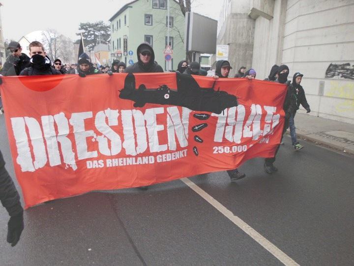 Tobias Maczewski beim Naziaufmarsch in Dresden - 2011